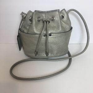 TIGNANELLO Silver Leather Bucket Crossbody VTG